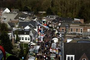 Op 23 maart 2014 kon demonstreerden politie, brandweer en ambulancediensten hun materieel. Fotografe Margot van den Boer klom in de ladderwagen en bekeek Heeze vanuit de hoogte.