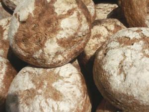 Vergeet het overheerlijke brood niet mee naar huis te nemen... Om je vingers bij af te likken! (c) margot van den boer
