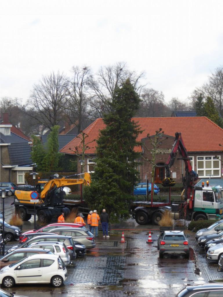 Kerstboom gemeentehuisplein Heeze (c) margot van den boer